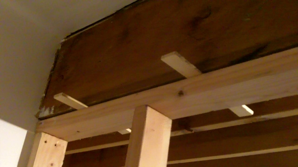 Framing Partition Wall : How to build a partition wall see jane drill