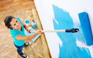 young woman painting pic