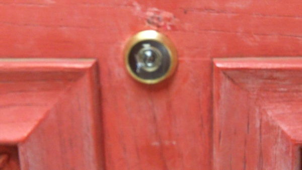 Incroyable Have You Ever Wondered How To Install A Peephole (aka Door Viewer) In The  Door To Your Home? Or Perhaps You Already Have A Peephole In Your Front Door,  ...