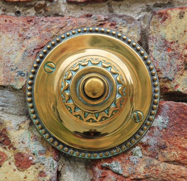 door-bell-326561_640