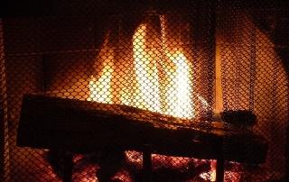 fireplace-276359_640