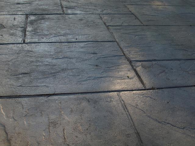 sidewalk-218751_640