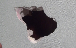 hole in plaster pic 3