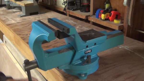 Bench Vise Review And Giveaway Closes 10 25 16 11 59pm Pst See Jane Drill
