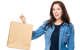 woman-with-shopping-bag