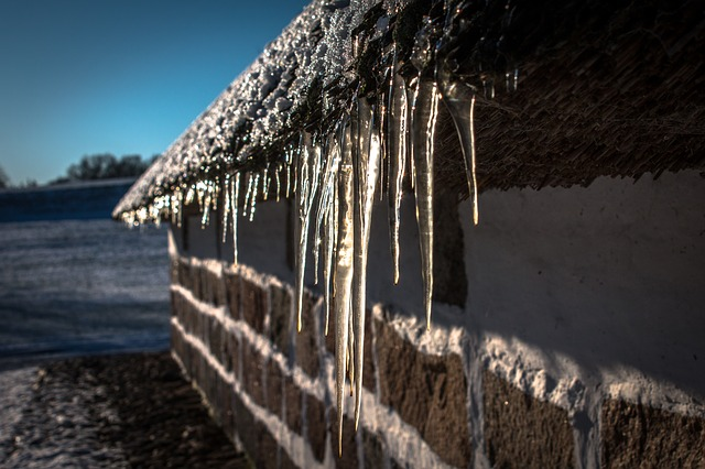 icicles-1709326_640