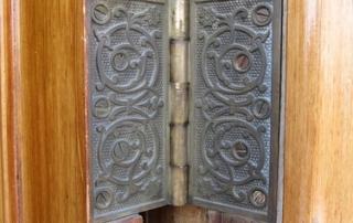 door hinge image